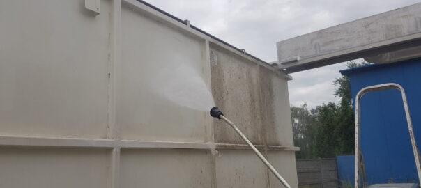 mycie elewacji kontenerów